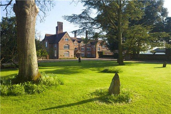 The exterior of Yaldham Manor