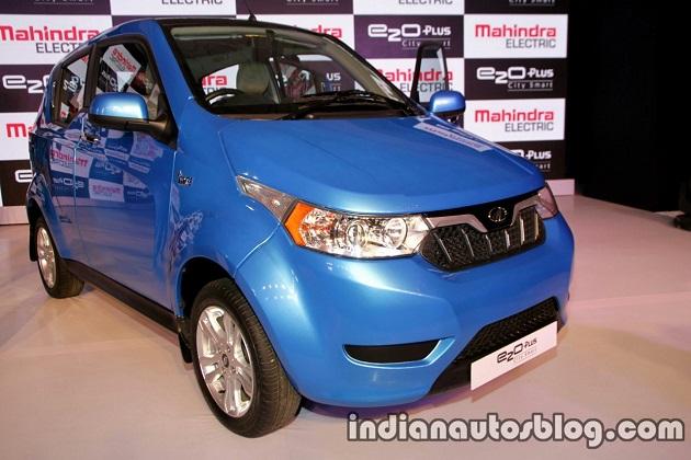 マヒンドラ、インドで4ドアの電気自動車「e2oプラス」を発表