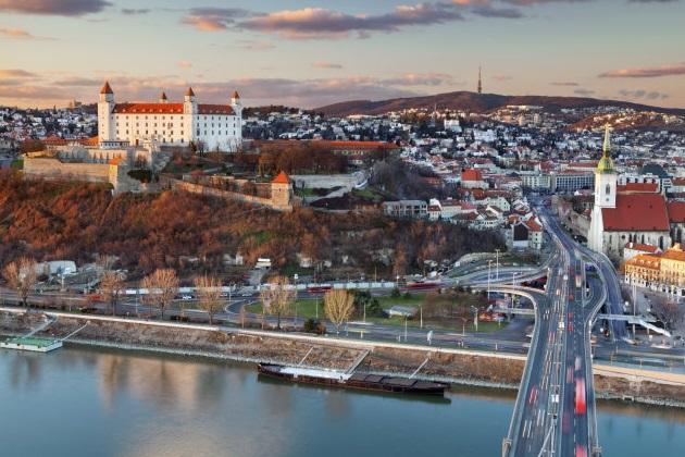 ハイパーループで中央ヨーロッパの3首都を結ぶ計画が進行中