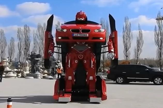 【ビデオ】実際に走行も変形も可能! トルコの会社がBMW「3シリーズ」のトランスフォーマーを製作