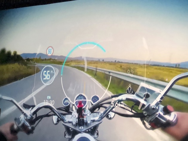 速度や位置情報を視界に表示 HUD内蔵スマートヘルメットをJDIが発表