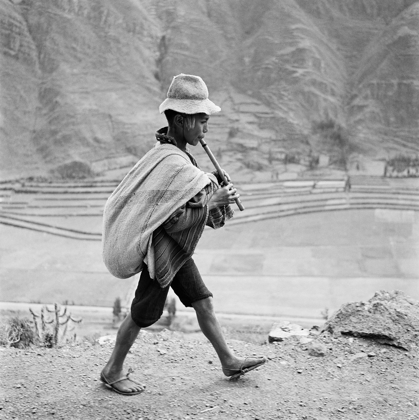 PERU. May 1954. On the road to Cuzco, near Pisac, in the Valle Sagrado of the Urubamba