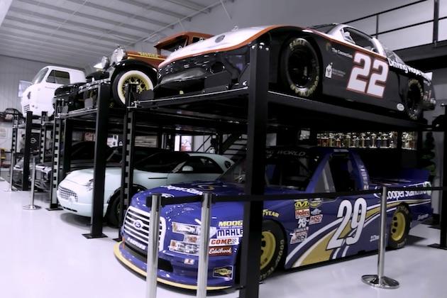 【ビデオ】NASCARドライバーはどんなクルマを所有してる? ジョーイ・ロガーノ選手が愛車コレクションを紹介