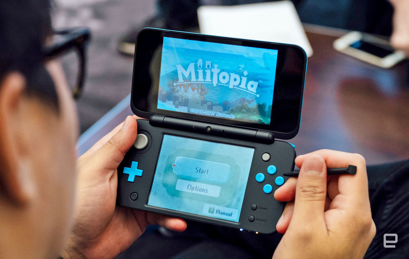 Nintendo's 2DS XL doesn't need 3D to be a solid handheld