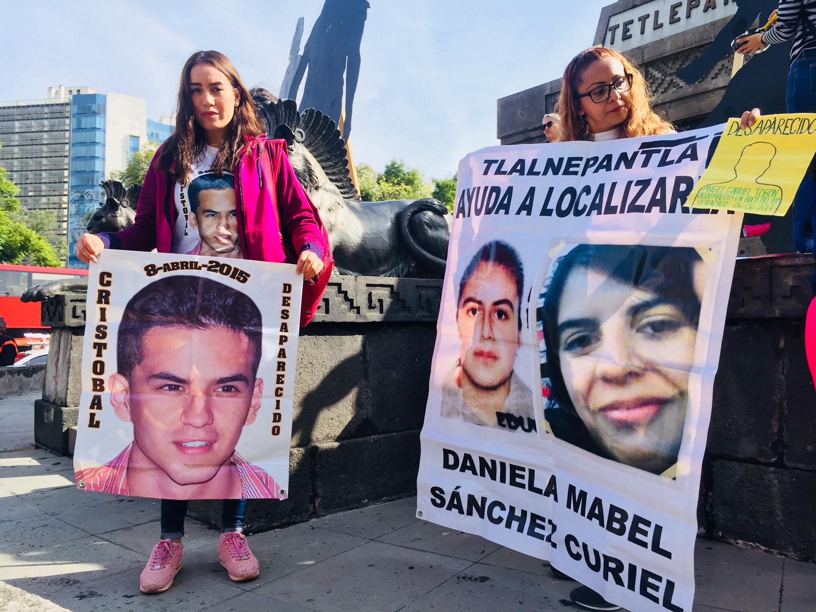 Familiares de Cristobal y Daniela Mabel Sánchez protestan en el Día Internacional de las Víctimas de...