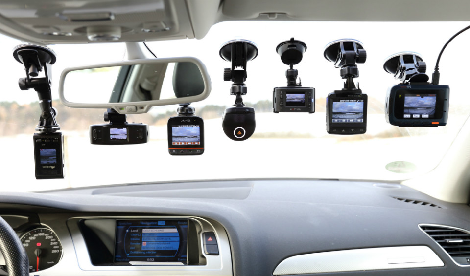 What you need to know about dashboard-mounted car cameras