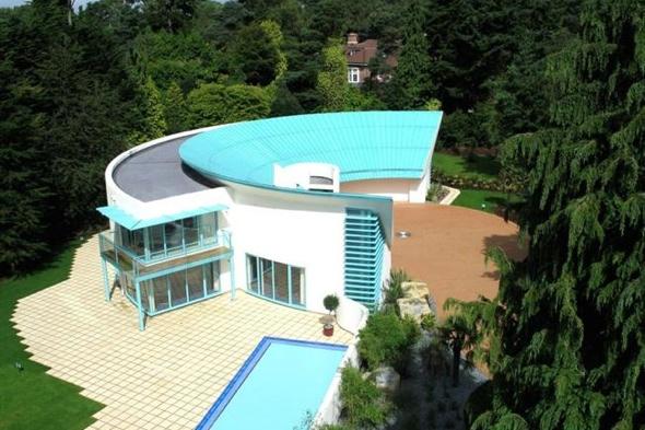 Thunderbirds-house-on-sale-poole-dorset