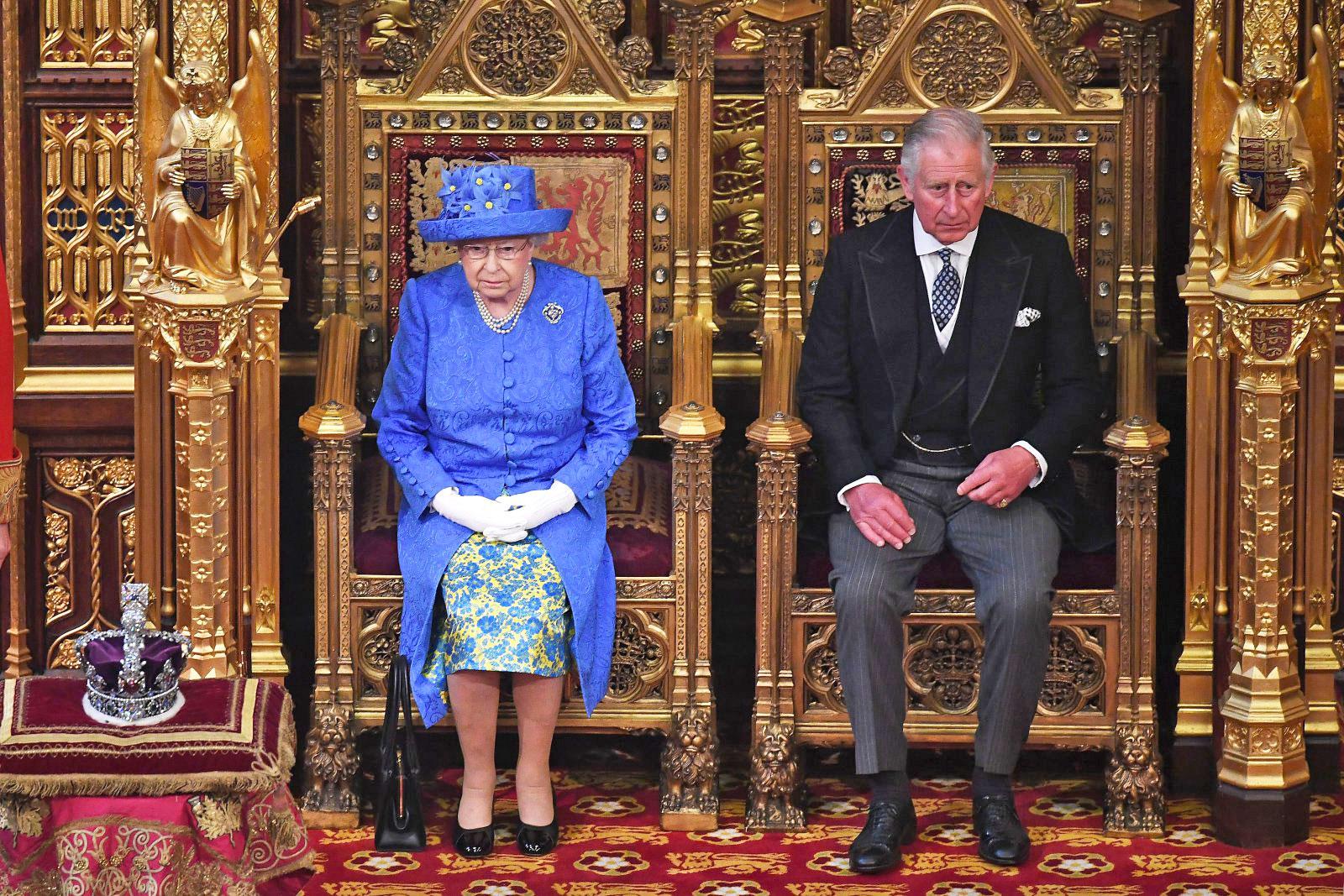 Queen's Speech: Is the Queen wearing an EU hat?