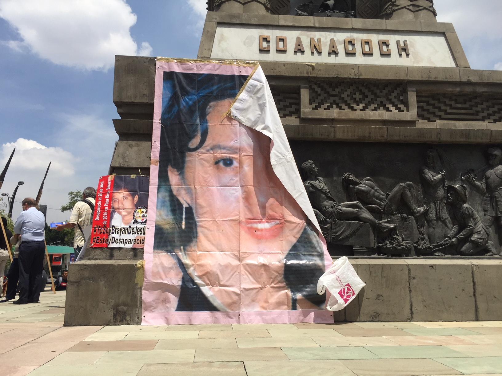 Familiares de desaparecidos protestan en el Día Internacional de las Víctimas de Desapariciones Forzadas,...