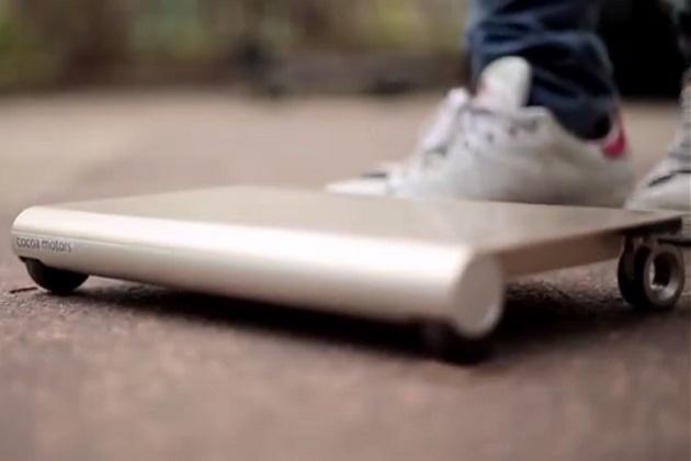 【ビデオ】日本の学生が開発した、カバンに入れて持ち運べる超小型モビリティ「WalkCar」