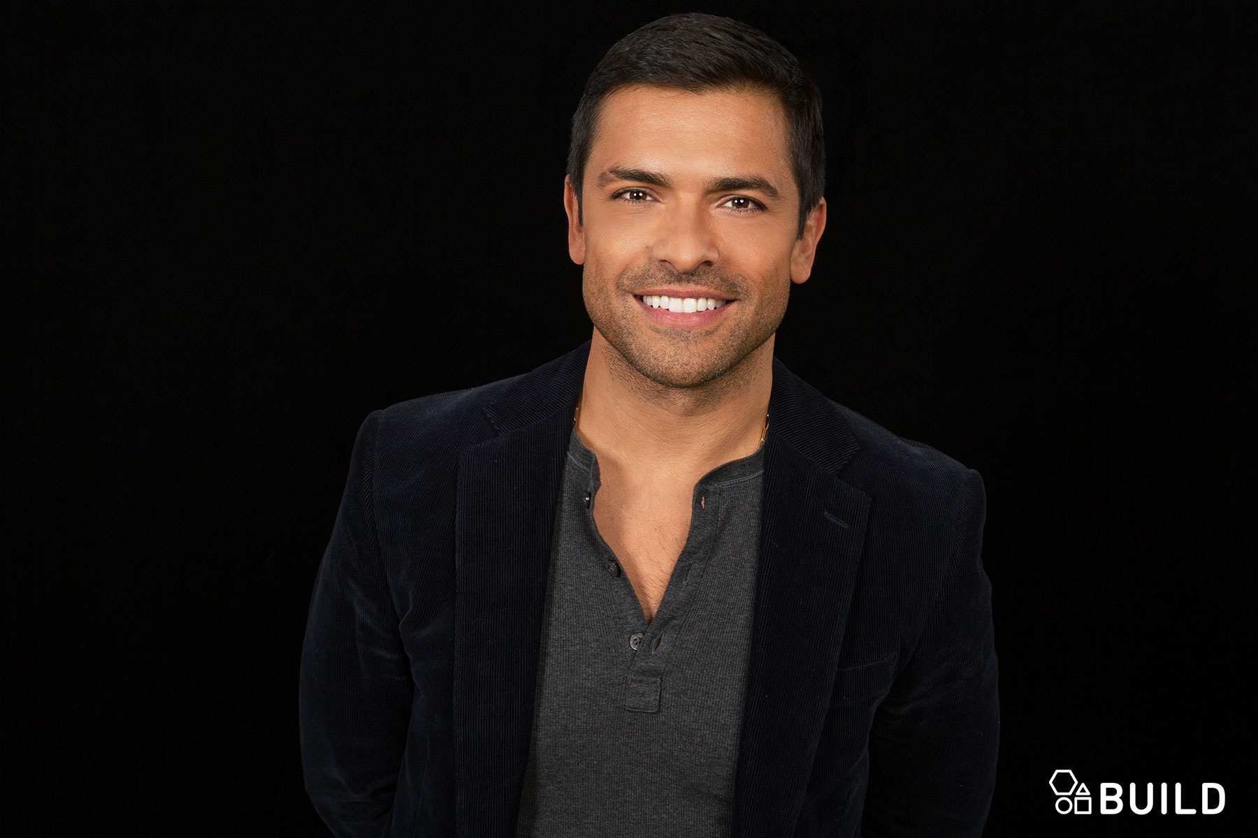 Mark Consuelos Puts A Ring On It In Kingdom Aol Entertainment