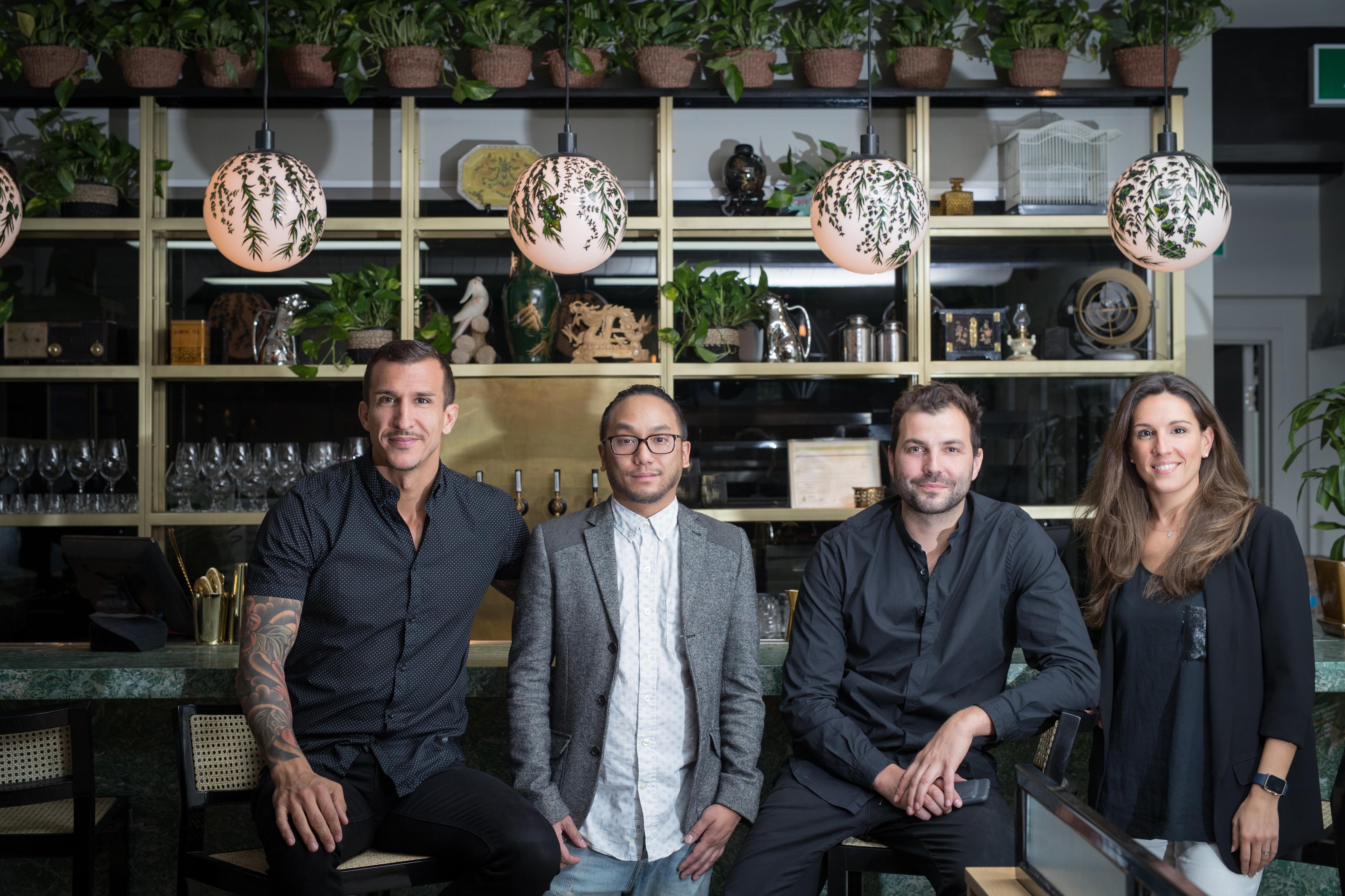 De gauche à droite : Francisco Randez, le chef Ross Louangsignotha, Nicolas Urli, et Flore-Anne