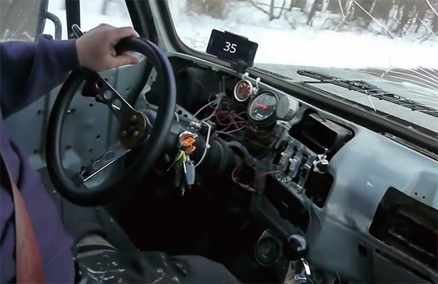 【ビデオ】意外とアリ!? 照明のスイッチでギアチェンジする改造車!