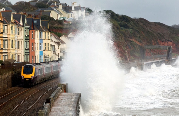 Rogue wave hits train at Dawlish