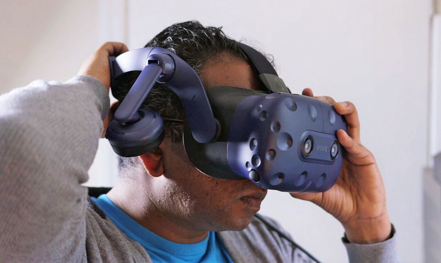 HTC Launches Vive Pro Starter Kit