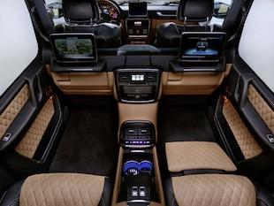 Mercedes-Maybach G 650 Landaulet;*Kraftstoffverbrauch kombiniert: 17,0 l/100 km, CO2-Emissionen kombiniert: 397 g/km Mercedes-Maybach G 650 Landaulet;*Fuel consumption combined: 17.0 l/100 km, CO2 emissions combined: 397 g/km