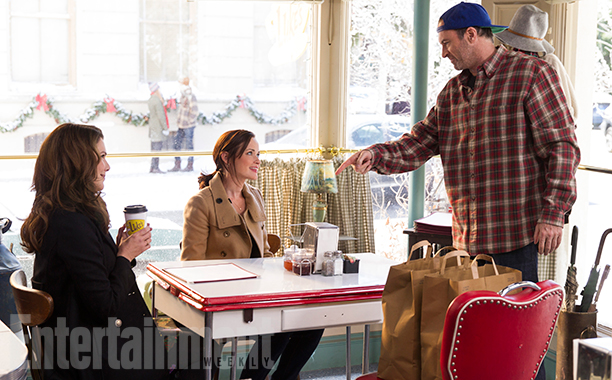 gilmore girls, a year in the life, revival, lorelai, rory, luke