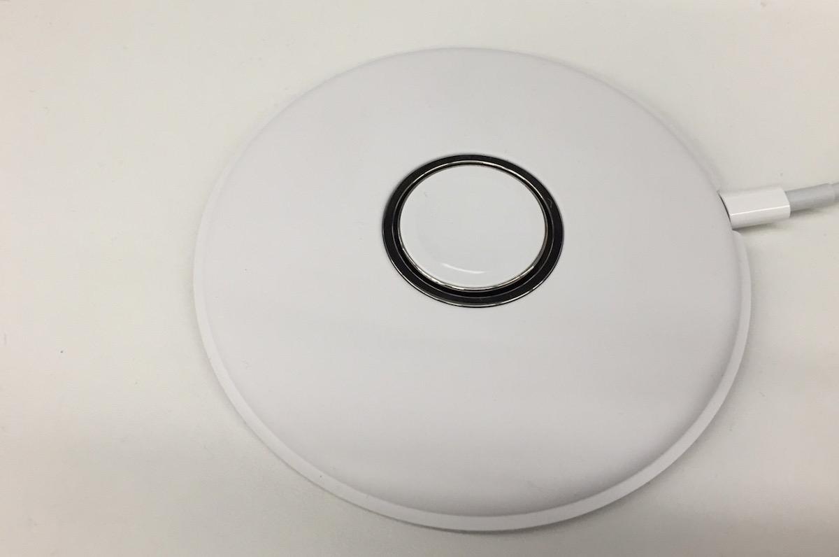 期待官方的 Apple Watch 充电底座?它似乎就要来了唷