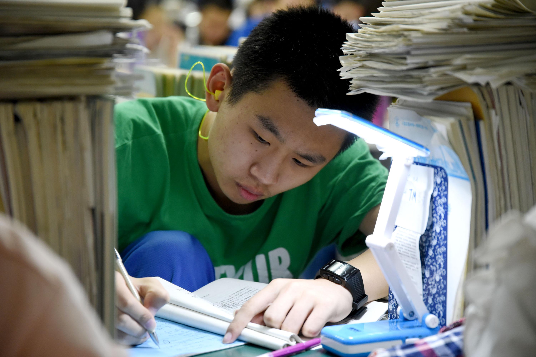 美国将限制科技专业中国留学生的签证期限