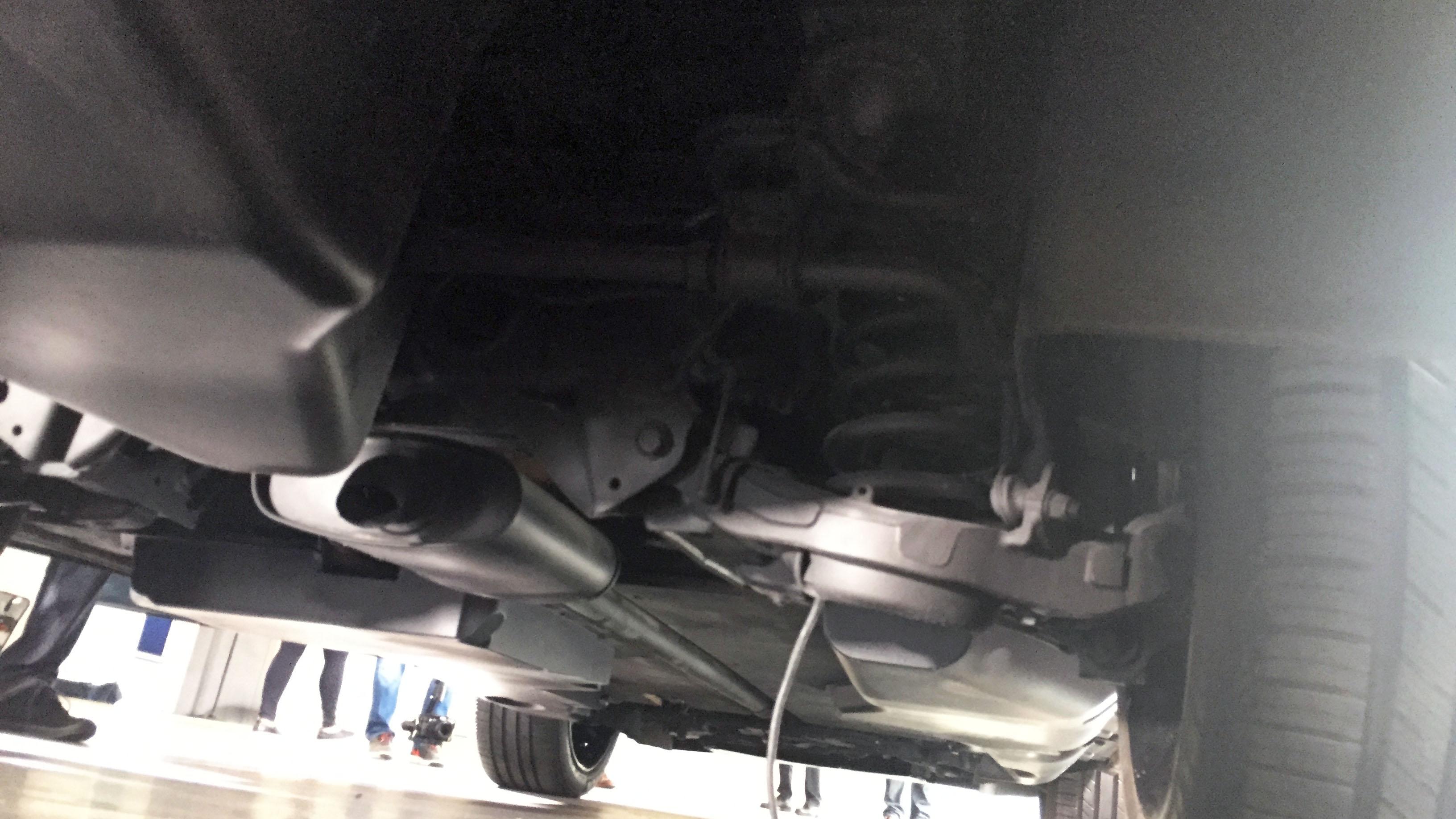 Lincoln Aviator rear suspension