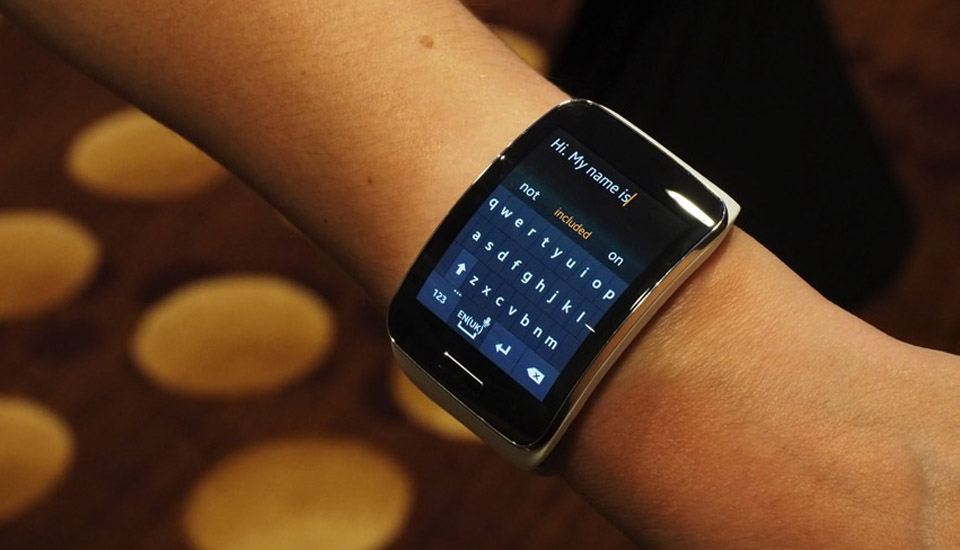 Samsung Gear S preview: What's it like to type emails on a 2
