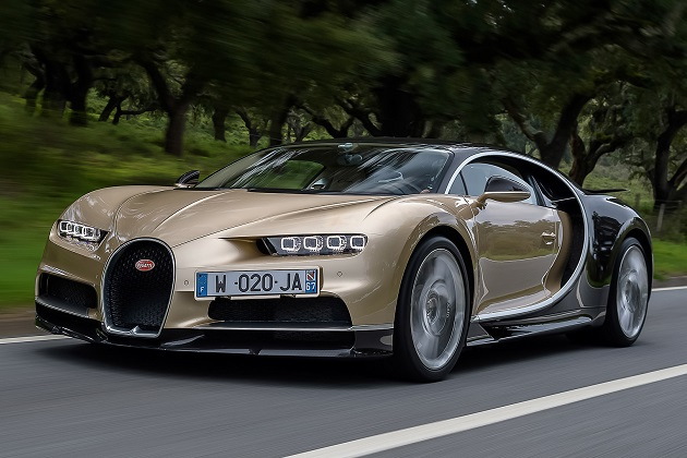 最高速度420km/hを誇るブガッティ「シロン」の燃費を、米国環境保護庁が発表