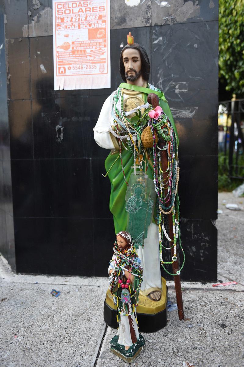 Causas Perdidas San Judas Vs La Santa Muerte En La Ciudad De México
