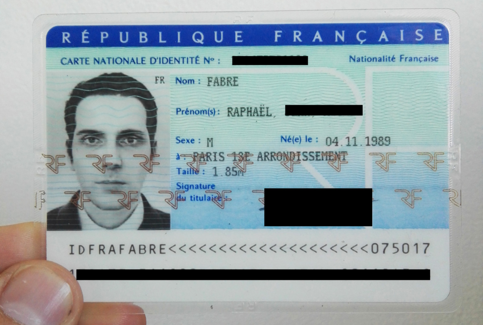 using a 3d render as a french id card photo