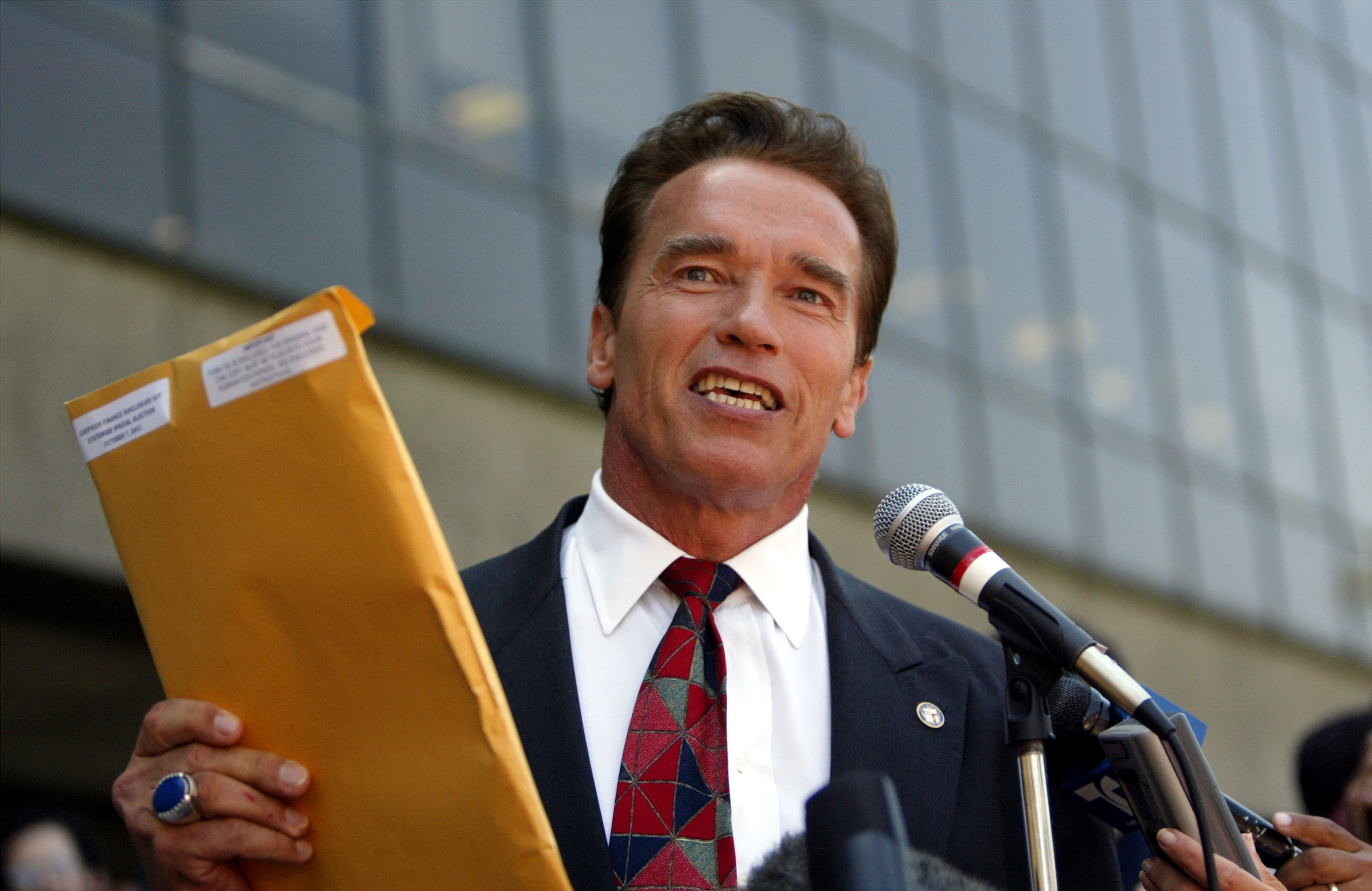 Arnold Schwarzenegger Pulls Papers To Run For Governor