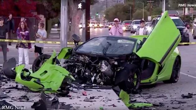 ストリートレースが原因か? マクラーレン「650Sスパイダー」が大破