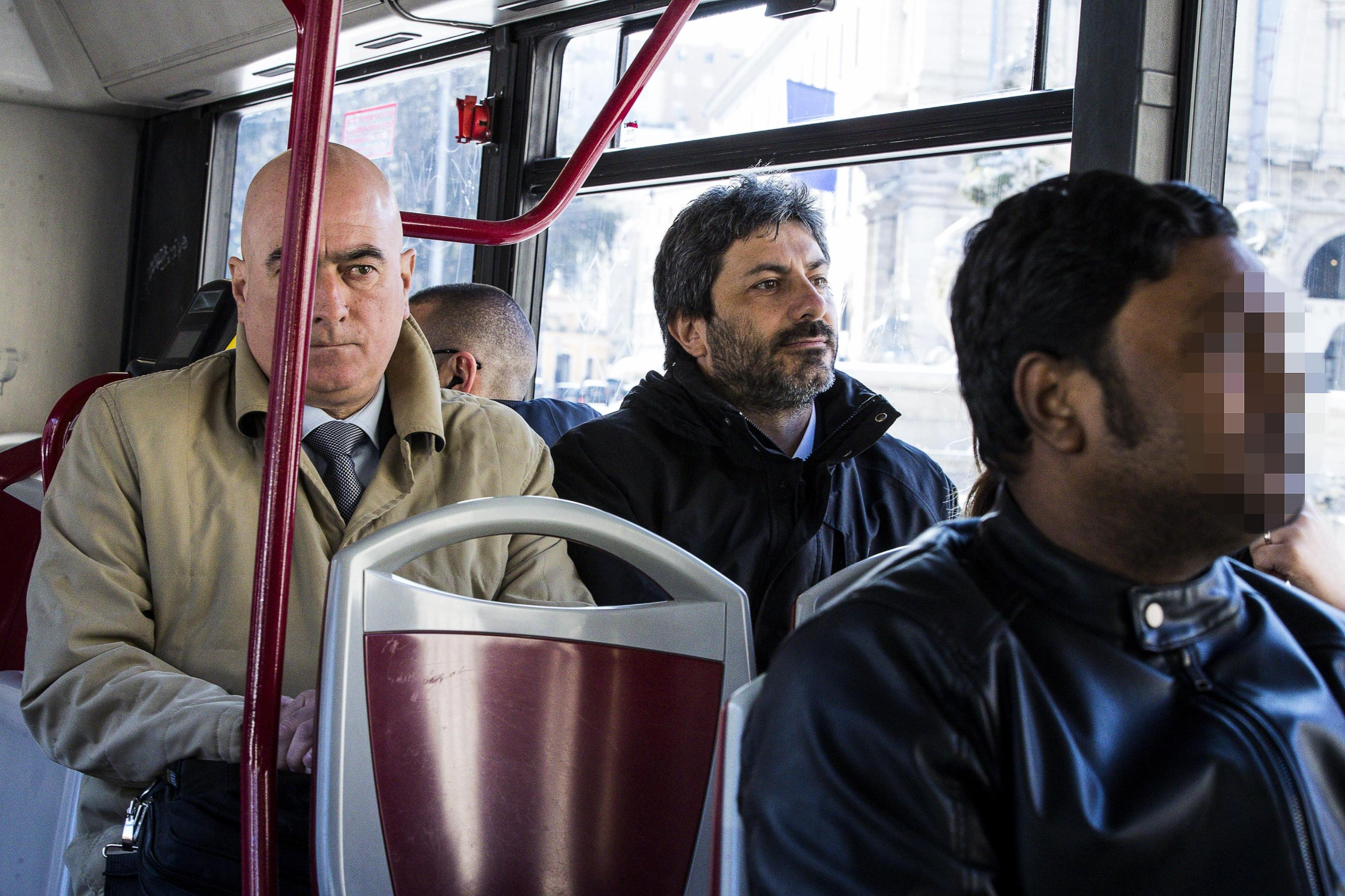 """Roberto Fico al Tg1: """"Rinuncio alla mia indennità da Presidente della Camera, stop ai privilegi"""""""