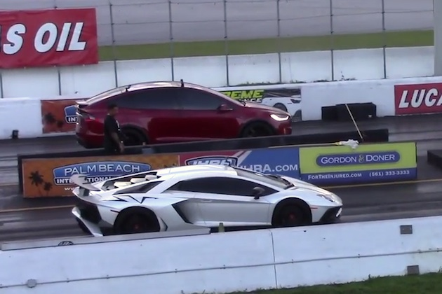 【ビデオ】テスラ「モデルX P100D」とランボルギーニ「アヴェンタドール SV」が、ドラッグ・レースで対決!