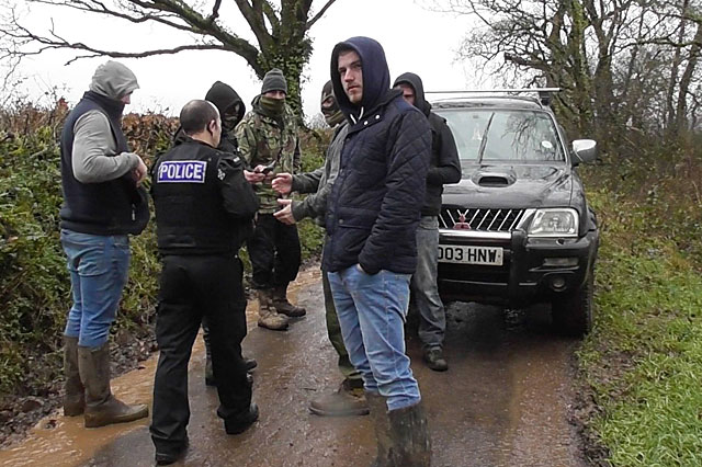 Police speak to hunt supporters