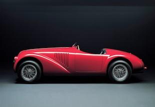 - 125 S, la prima vettura costruita dalla Ferrari nel 1947. - Nella foto la vettura replica realizzata nel 1987 dalla carrozzeria Dino Cognolato di Vigonza, Padova.