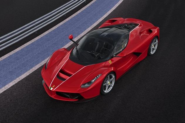 イタリア中部地震復興支援のために1台だけ増産された「ラ フェラーリ」が、チャリティ・オークションで高値を記録!
