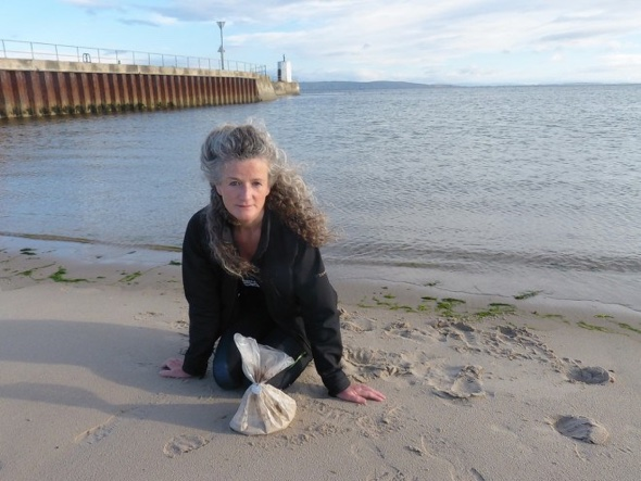 Woman finds bag of human ashes on UK beach