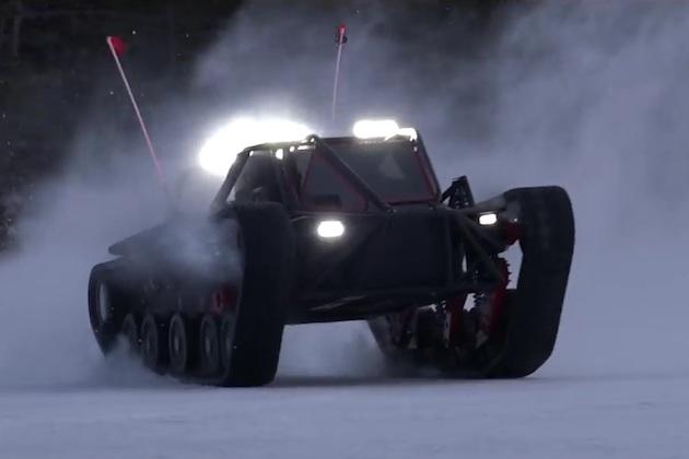 【ビデオ】1,500馬力のV8エンジンであらゆる地形を走破するRipsaw社の1人乗り小型タンク!