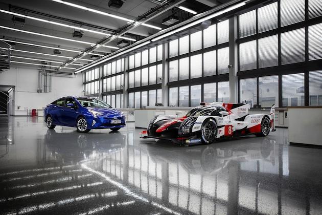 トヨタ、今年のFIA世界耐久選手権とル・マン24時間レースを戦う改良型「TS050 HYBRID」を発表