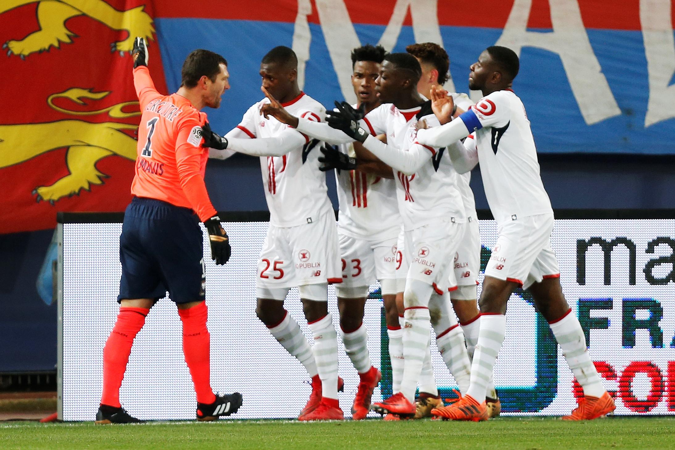 Caen-Lille: le gardien Rémy Vercoutre exclu pour avoir protesté contre... une célébration de