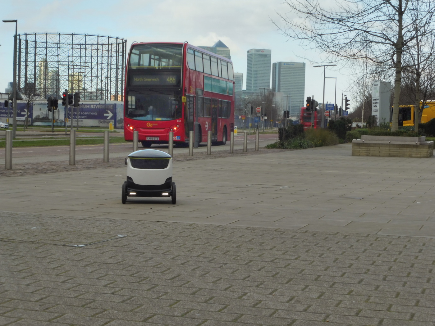 Starship's self-driving robots to deliver Just Eat orders in London