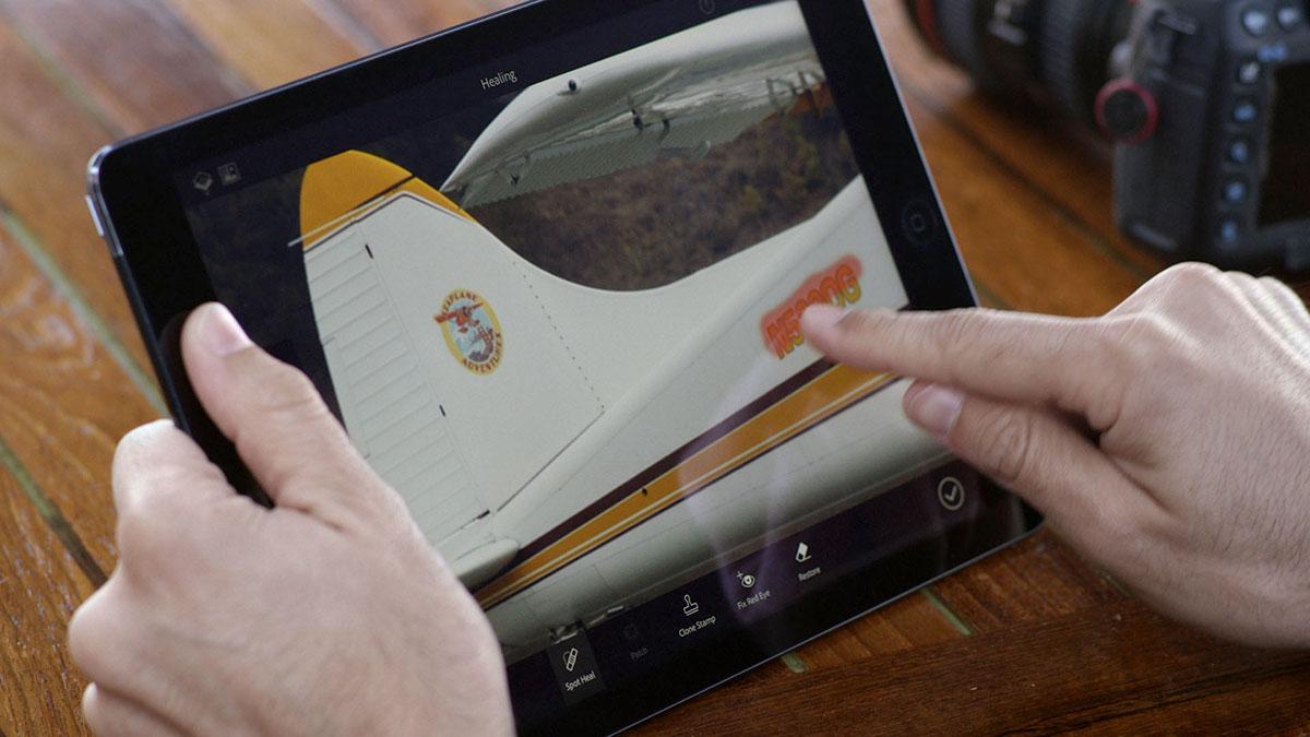 iPad Pro 的 Lightning 口可提供 USB 3.0 级的传输速度