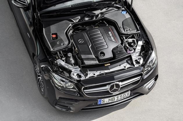 Mercedes-AMG E 53 4MATIC+ Coupé; Exterieur: obsidianschwarz metallic, Motorraum;Kraftstoffverbrauch kombiniert: 8,4 l/100 km; CO2-Emissionen kombiniert: 200 g/km*  Mercedes-AMG E 53 4MATIC+ Coupé; exterior: obsidian black metallic, engine ;fuel consumption combined: 8.4 l/100 km; CO2 emissions combined: 200 g/km*
