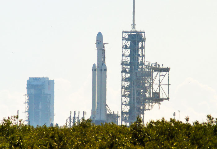 SpaceX's Falcon Heavy can't launch during a government shutdown