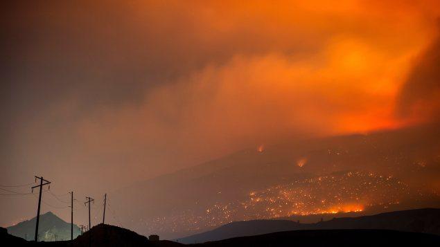 Les feux de forêt en Colombie-Britannique forcent l'évacuation de 14 000