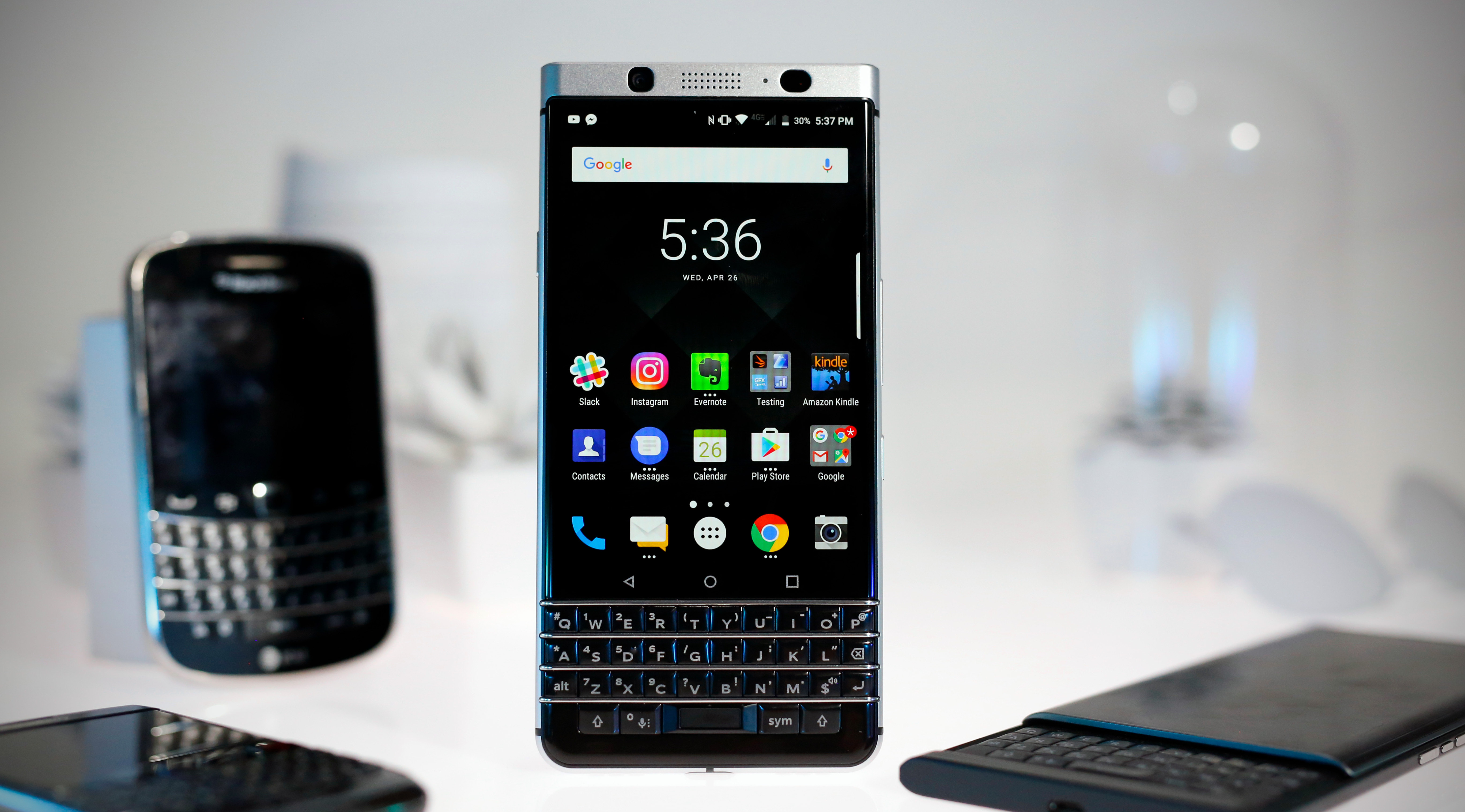wholesale dealer 05bf0 2ef5c BlackBerry KEYone review: Vintage vibes and a modern OS