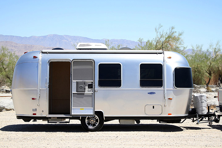 airstream sport 22 travel trailer review w video autoblog. Black Bedroom Furniture Sets. Home Design Ideas