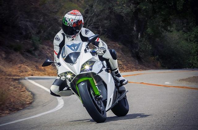 エネルジカが電動バイク販売促進のため、中古バイクの下取り価格保証など新サービスを開始