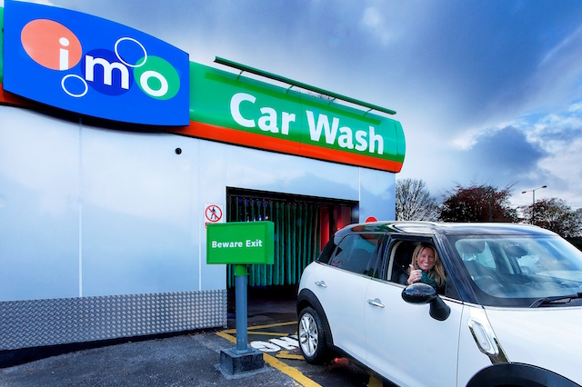Auto washes can be hacked to hit vehicles and threaten passengers
