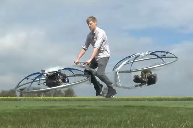 【ビデオ】マッド・サイエンティストと呼ばれるコリン・ファーズ氏が自作した空飛ぶバイク!