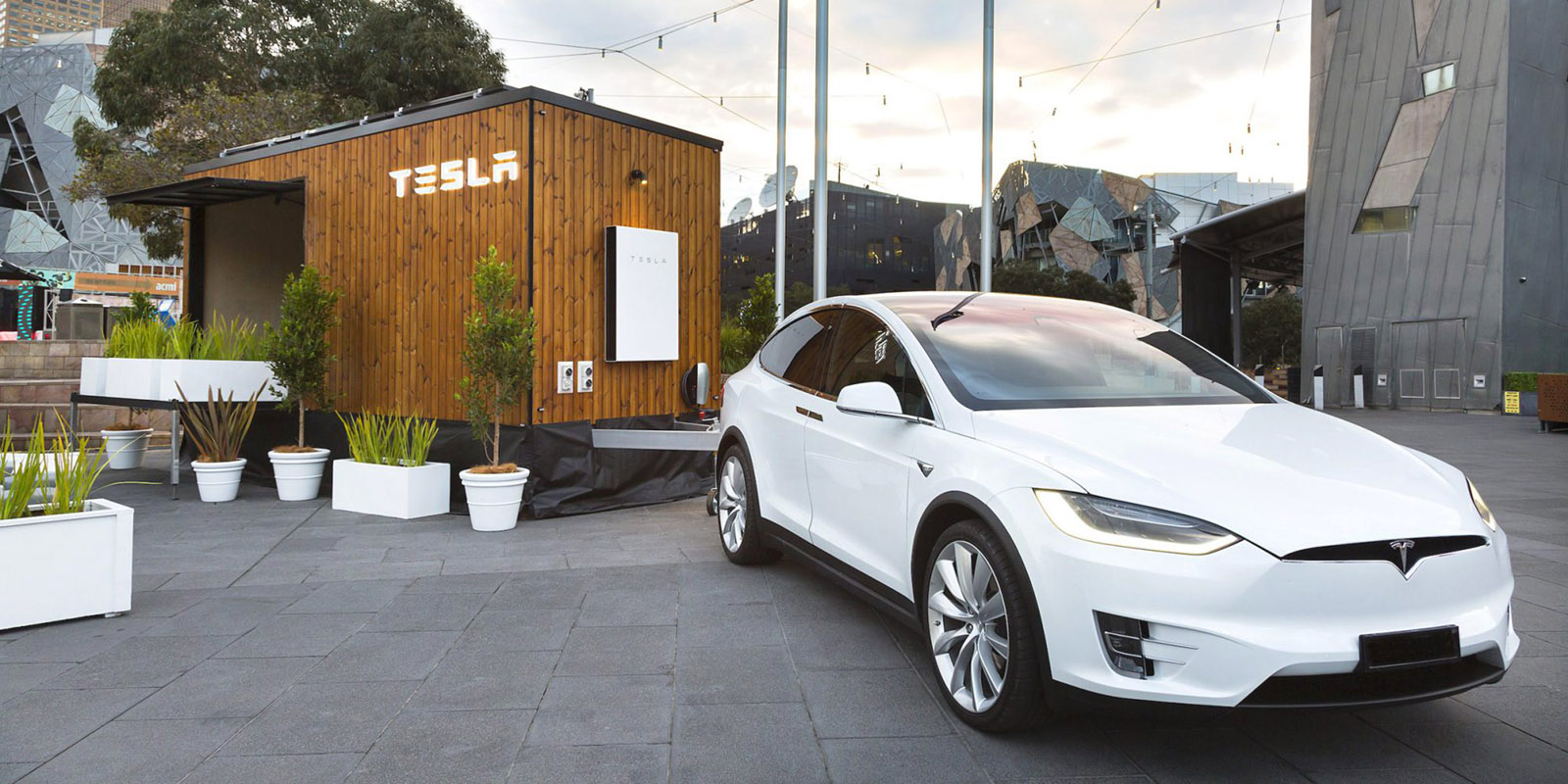 Tesla tows tiny house around Australia with Model X